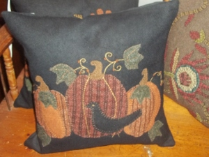 OLDE CROW and PUMPKINS DECORATIVE PILLOW by RAGHU Stitched Felt
